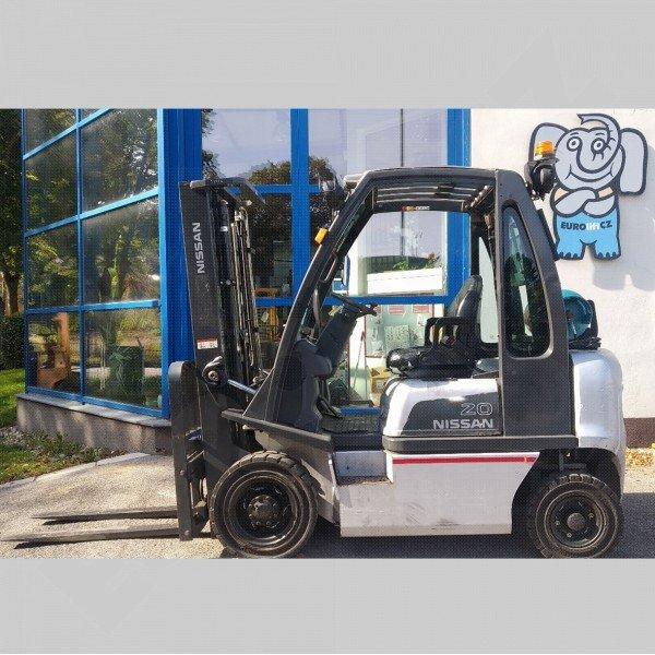 Použitý vysokozdvižný vozík plynový Nissan DX 20 - dobrý stav