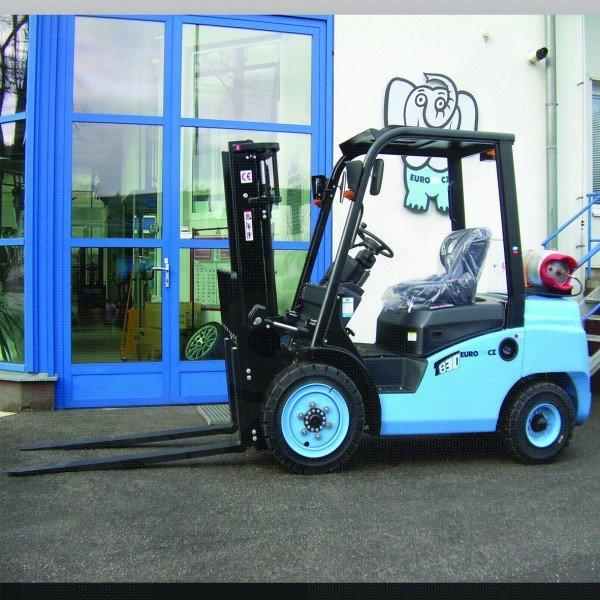 Čelní vysokozdvižné vozíky EUROliftCZ T8-30 BG - T8-35 BG pohon benzín_LPG