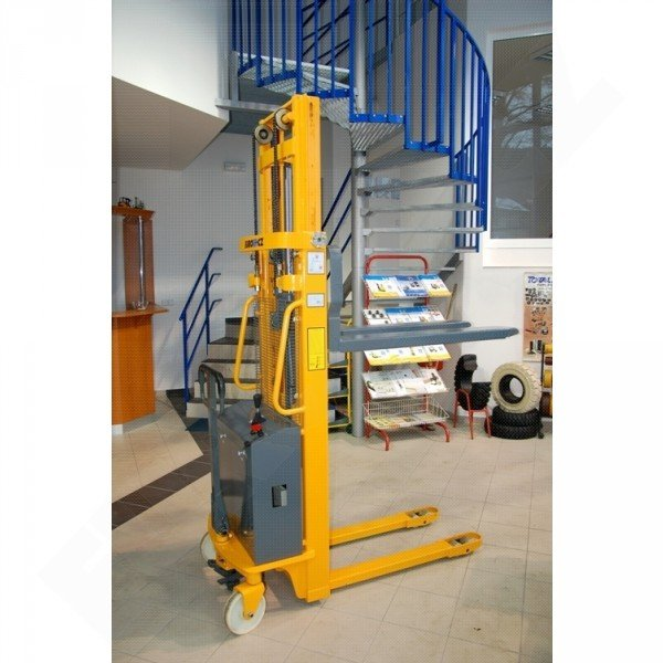 Vysokozdvižný ruční vozík s elektrickým zdvihem EUROliftCZ EMS-E1500 -1600